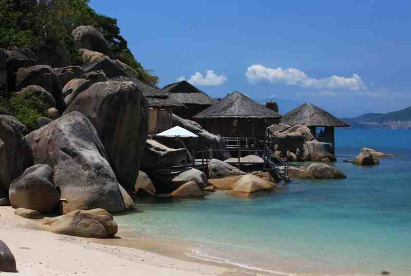 NInh Van Bay Beach Resort